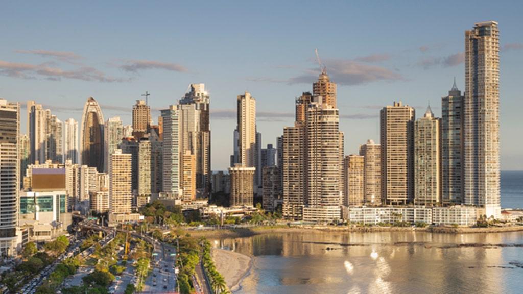 Own Paradise in Panama 1 min